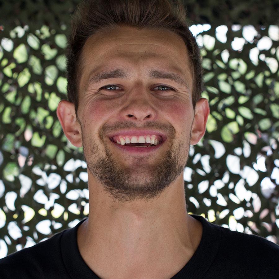 Alex Mizurov Headshot Photo