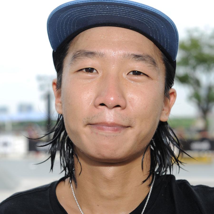Wang Hui Feng Headshot Photo