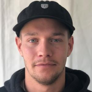 Simon Karlsson Profile