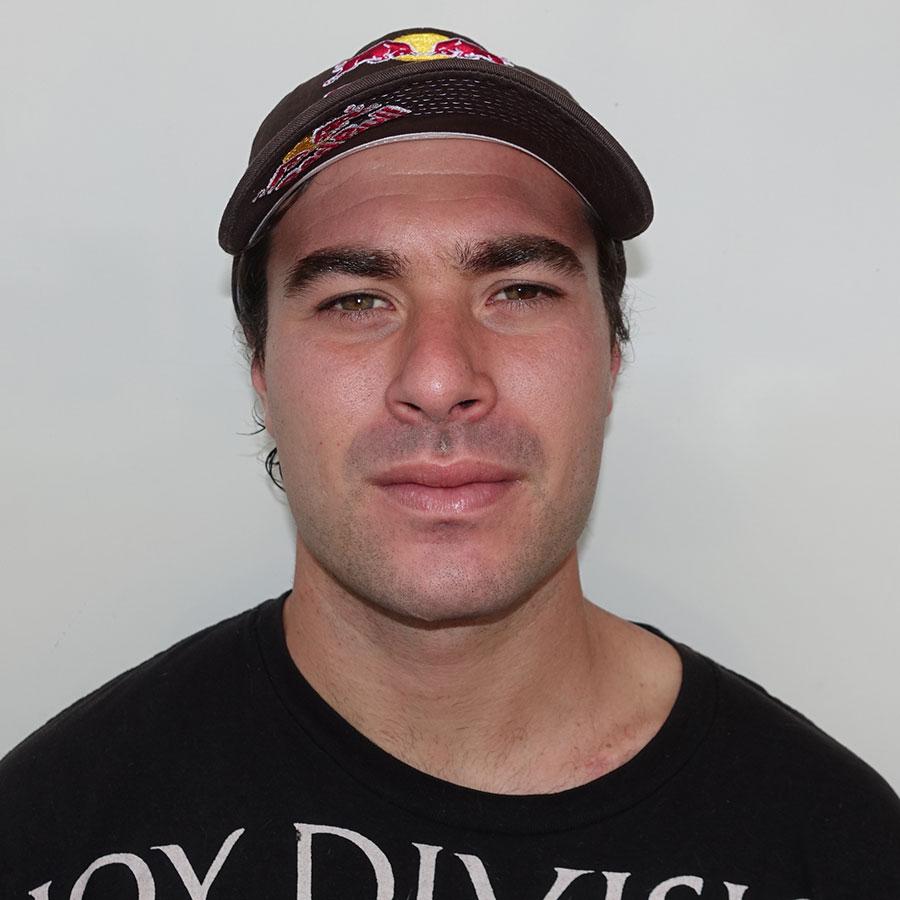 Pedro Barros Headshot Photo