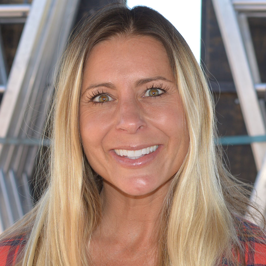 Stephanie Allen Headshot Photo