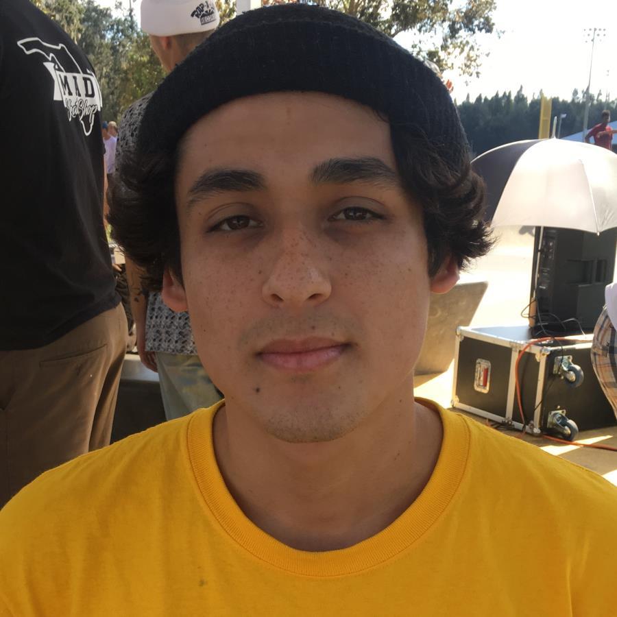 Maximo Latino Headshot Photo