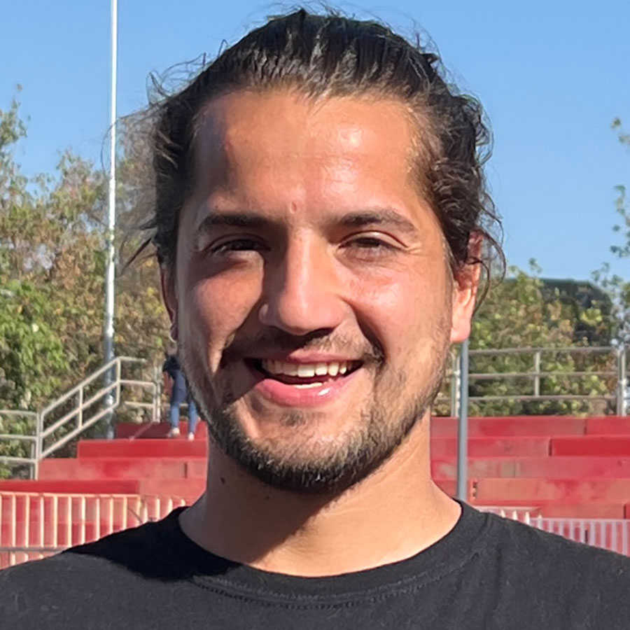 Braulio Sagas Headshot Photo