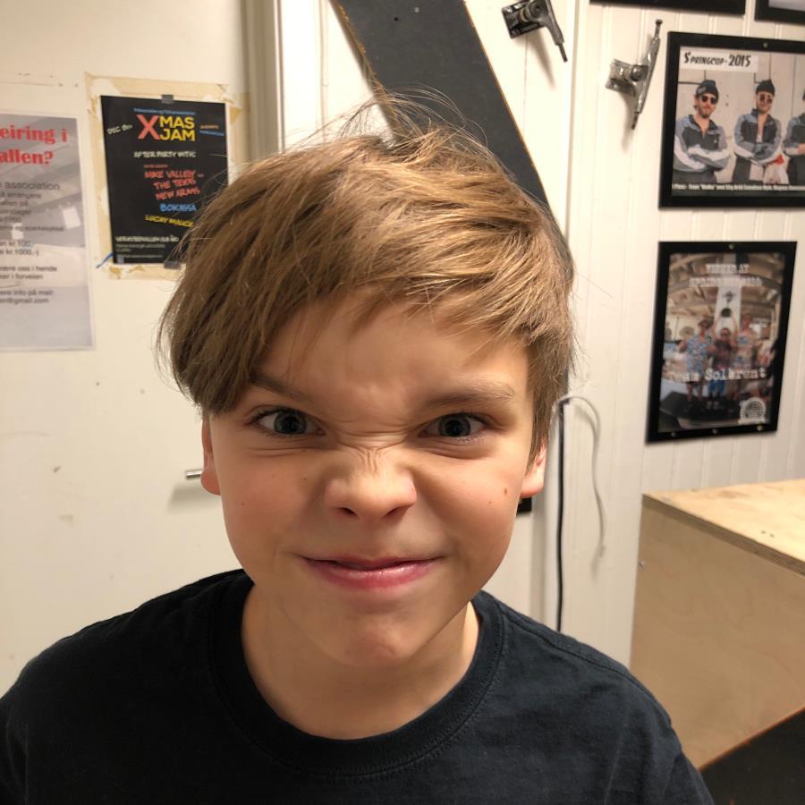 Billy Bjørnsson Headshot Photo