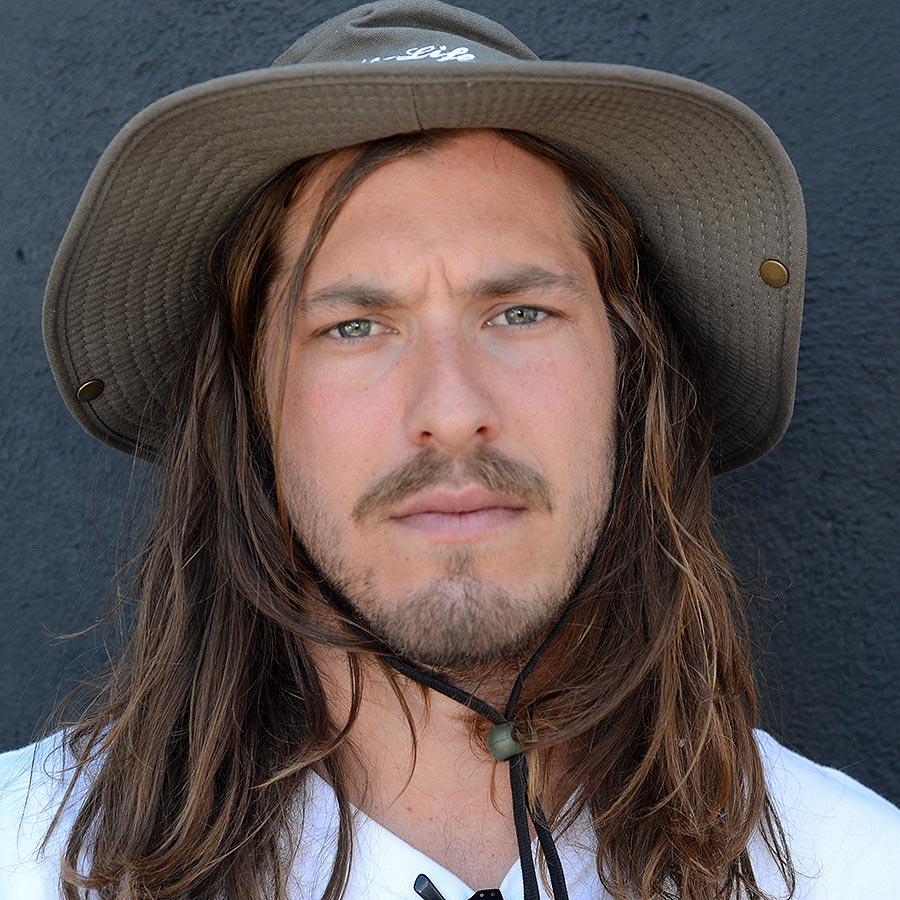 Pieter Retief Headshot Photo