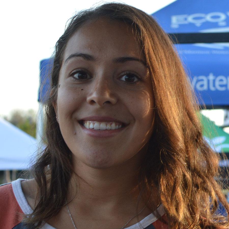 Noelia Velez Headshot Photo