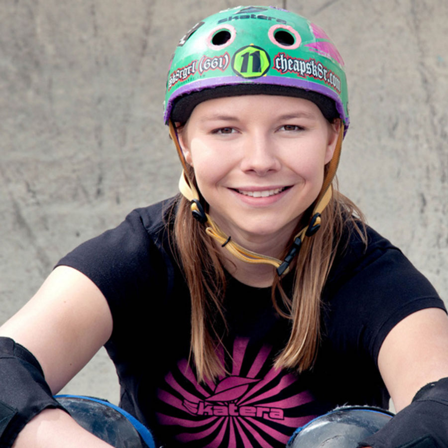 Abby Zsarnay Headshot Photo