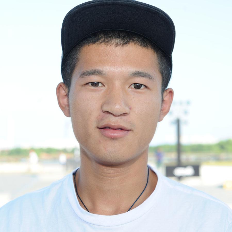 Meng Yan Headshot Photo