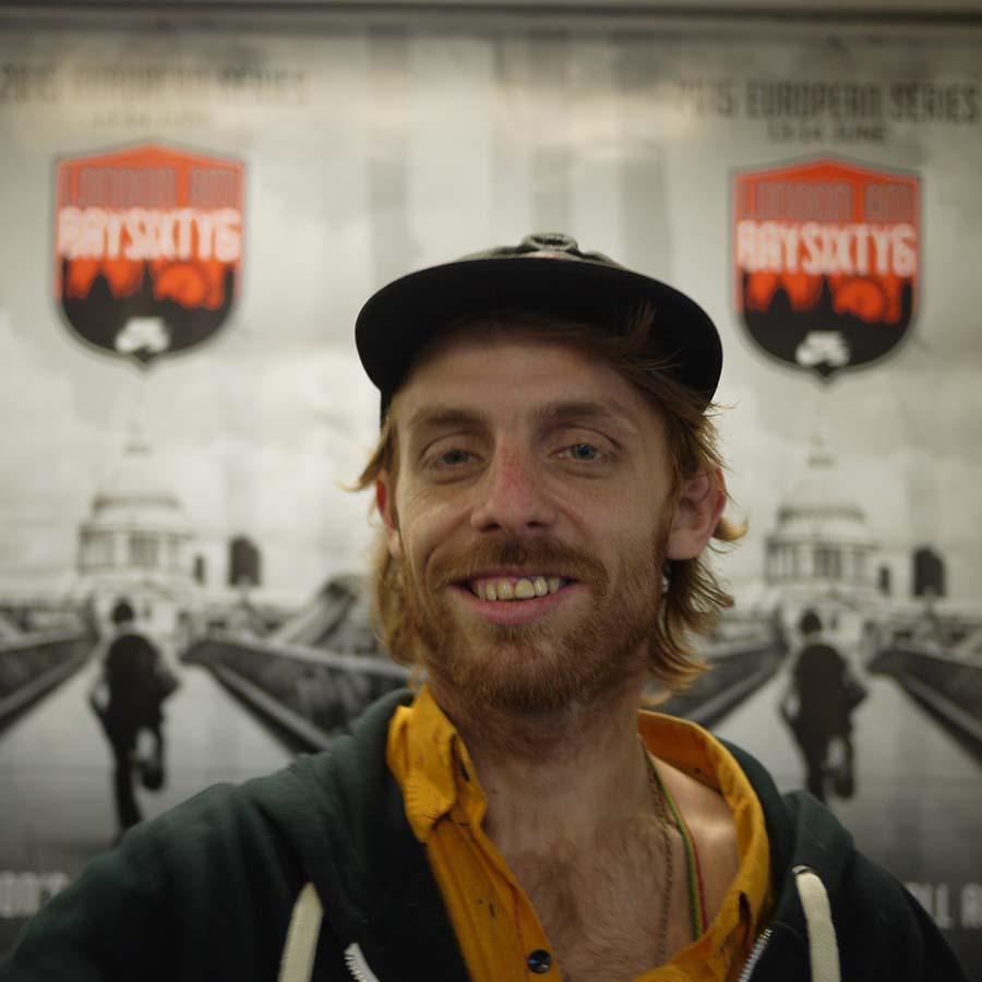 Chris Oliver Headshot Photo