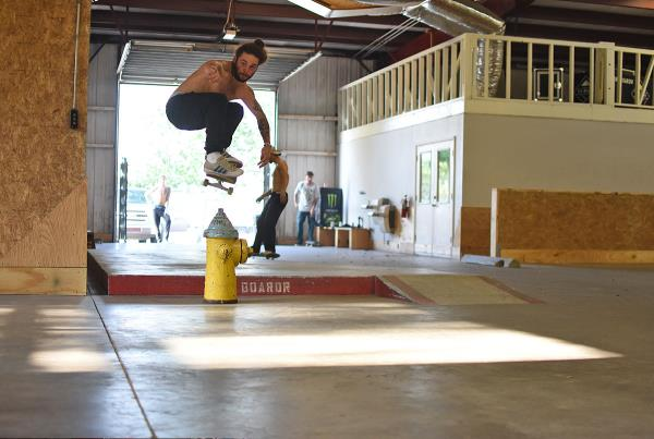 Scenes from The Boardr HQ Free Skate Sessions - Beamer