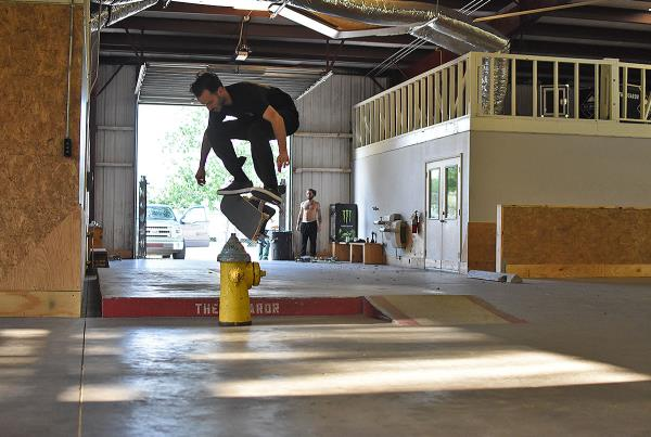 Scenes from The Boardr HQ Free Skate Sessions - Kickflip