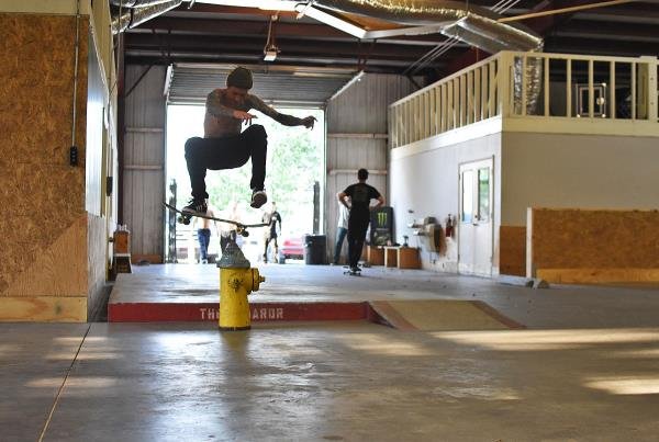 Scenes from The Boardr HQ Free Skate Sessions - HC Heel