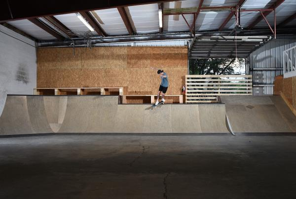 Scenes from The Boardr HQ Free Skate Sessions - Back Smith