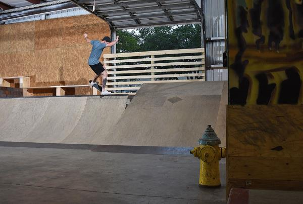 Scenes from The Boardr HQ Free Skate Sessions - Nosegrind