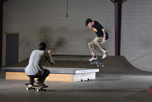 Scenes from The Boardr HQ Free Skate Sessions - Fakie Flip