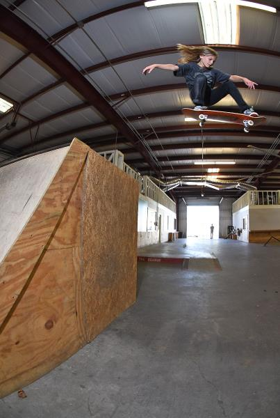 Scenes from The Boardr HQ Free Skate Sessions - Deck Ollie
