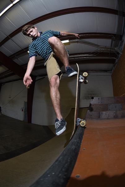 Scenes from The Boardr HQ Free Skate Session - Ethan Lien Noseblunt