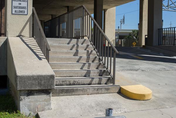 Gap Over Rail into Bank Downtown Tampa