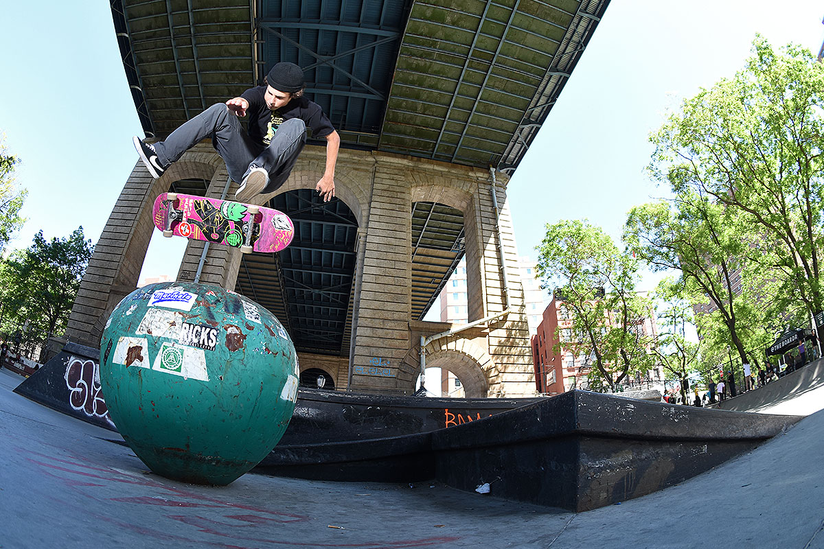 The Boardr Amateur Skateboarding at NYC - Switch Heel