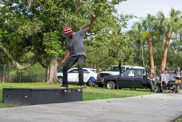 SHMF Go Skateboarding Day - Half Cab Noseslide