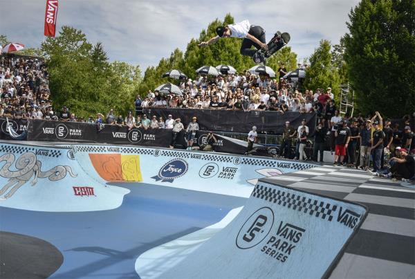 Vans Park Series Vancouver - Backside Air
