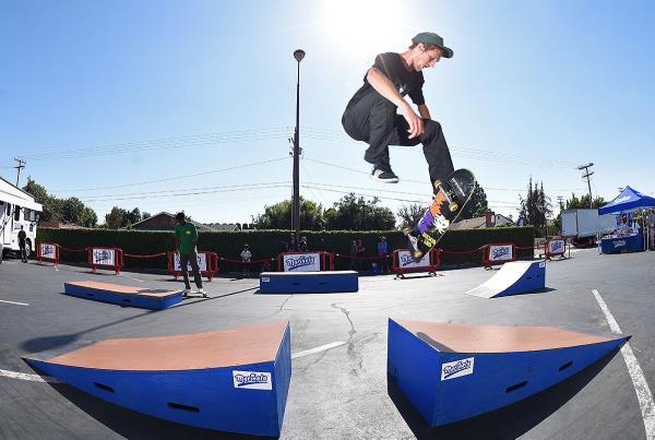 Marinela Skateboarding Demos - John 360 Flip