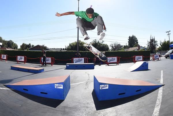 Marinela Skateboarding Demos - Varial Heel