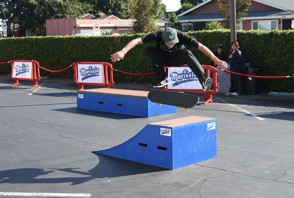 Marinela Skateboarding Demos - Flatground Flick