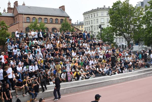 Copenhagen 2017 Extras - Court Crowds