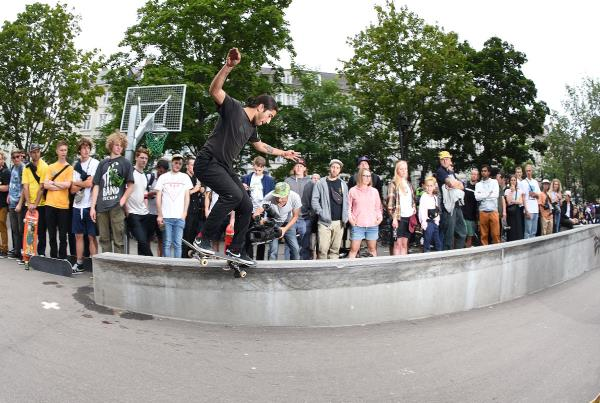 Copenhagen 2017 Extras - Crooks Across