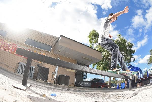 Marinela Demos in Florida - Front Feeble