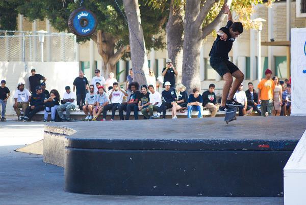 Wheelie Dope 2017 - Manny Kickflip to Nose Manny