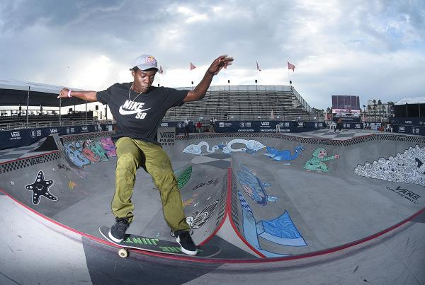 Extras from Huntington Beach VPS - Zion Smith Grind