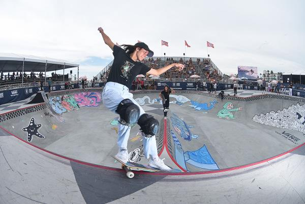 Extras from Huntington Beach VPS - Nora Smith Grind Across