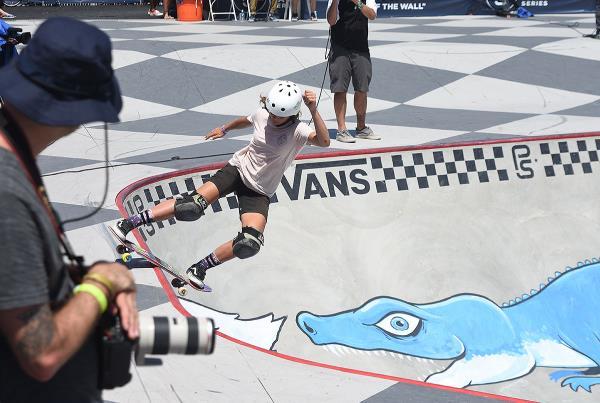 Extras from Huntington Beach VPS - Grace Lipslide