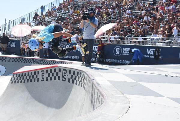 Extras from Huntington Beach VPS - Bryce Backside Air