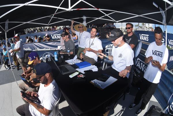Extras from Huntington Beach VPS - Workers