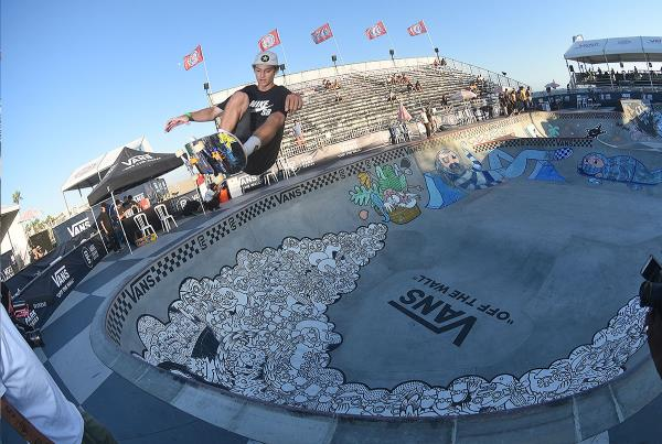 Extras from Huntington Beach VPS - Tristan Frontside Ollie