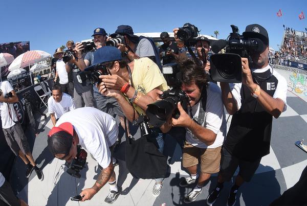 Extras from Huntington Beach VPS - Media Frenzy