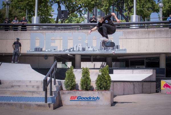Red Bull Hart lines - Somers Photos - Bachinsky Hardflip