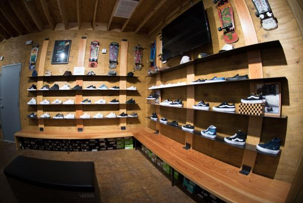 A Tour of The Boardr Store and Facilities in Tampa - Kicks