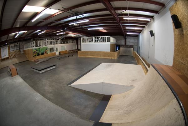 A Tour of The Boardr Store and Facilities in Tampa - Little Flat Gap