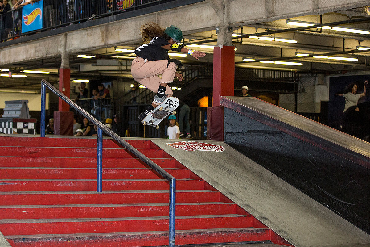 Vianez Morales with the Ollie