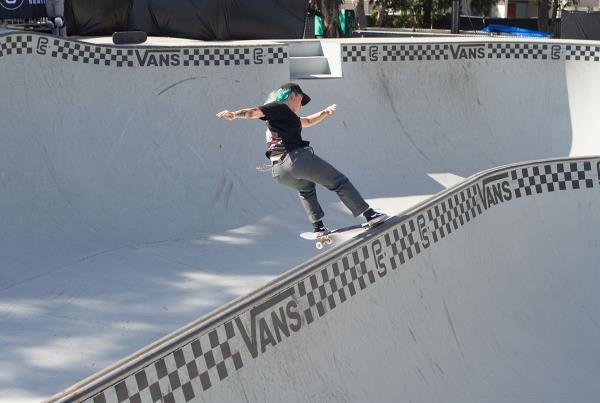 Vans Park Series Sydney - Frontside Tailslide