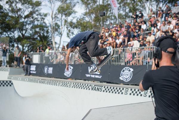 Vans Park Series Sydney - Backside Tweak