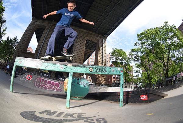 Boardr Am NYC 2018 - Front Crook