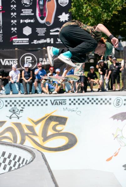 Finals - Kickflip Indy