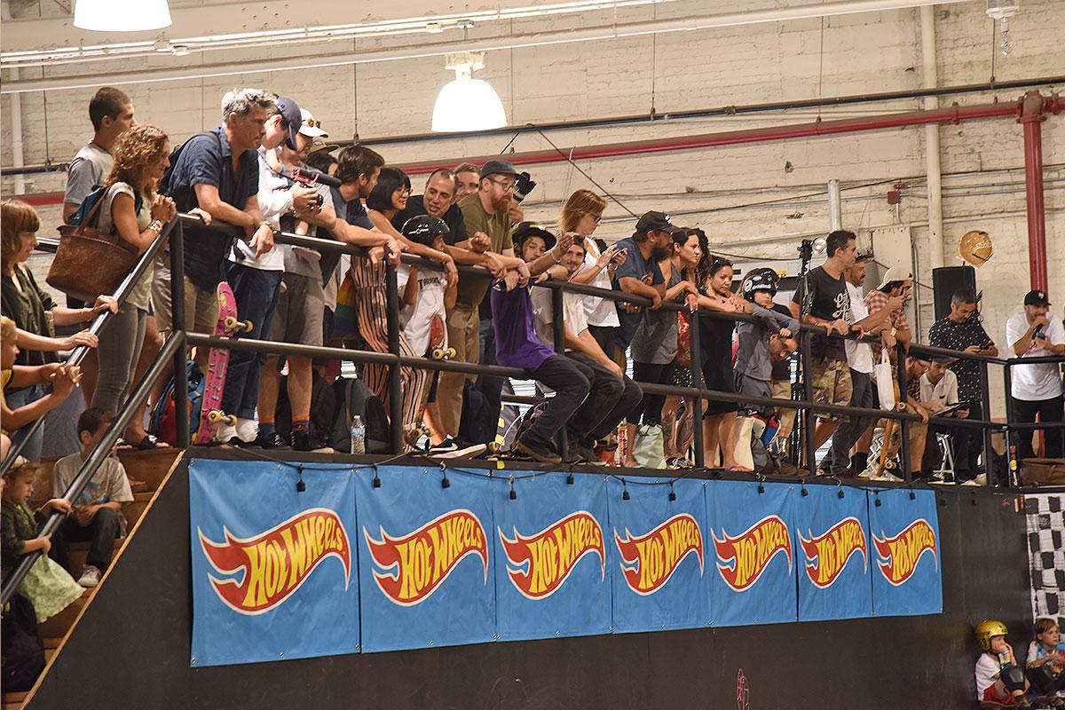 HWJS at NYC - Crowed.