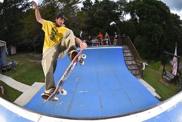 Collins Compound - Nose Grind.