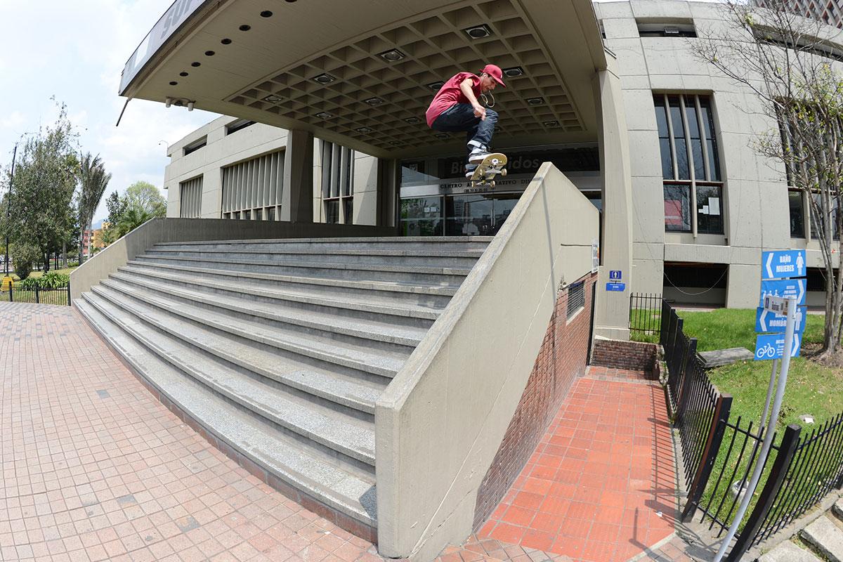 Photo Felipe Agudelo - Fakie Front Board.